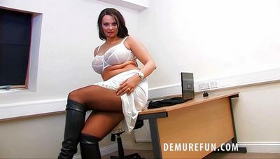 Demure Fun download